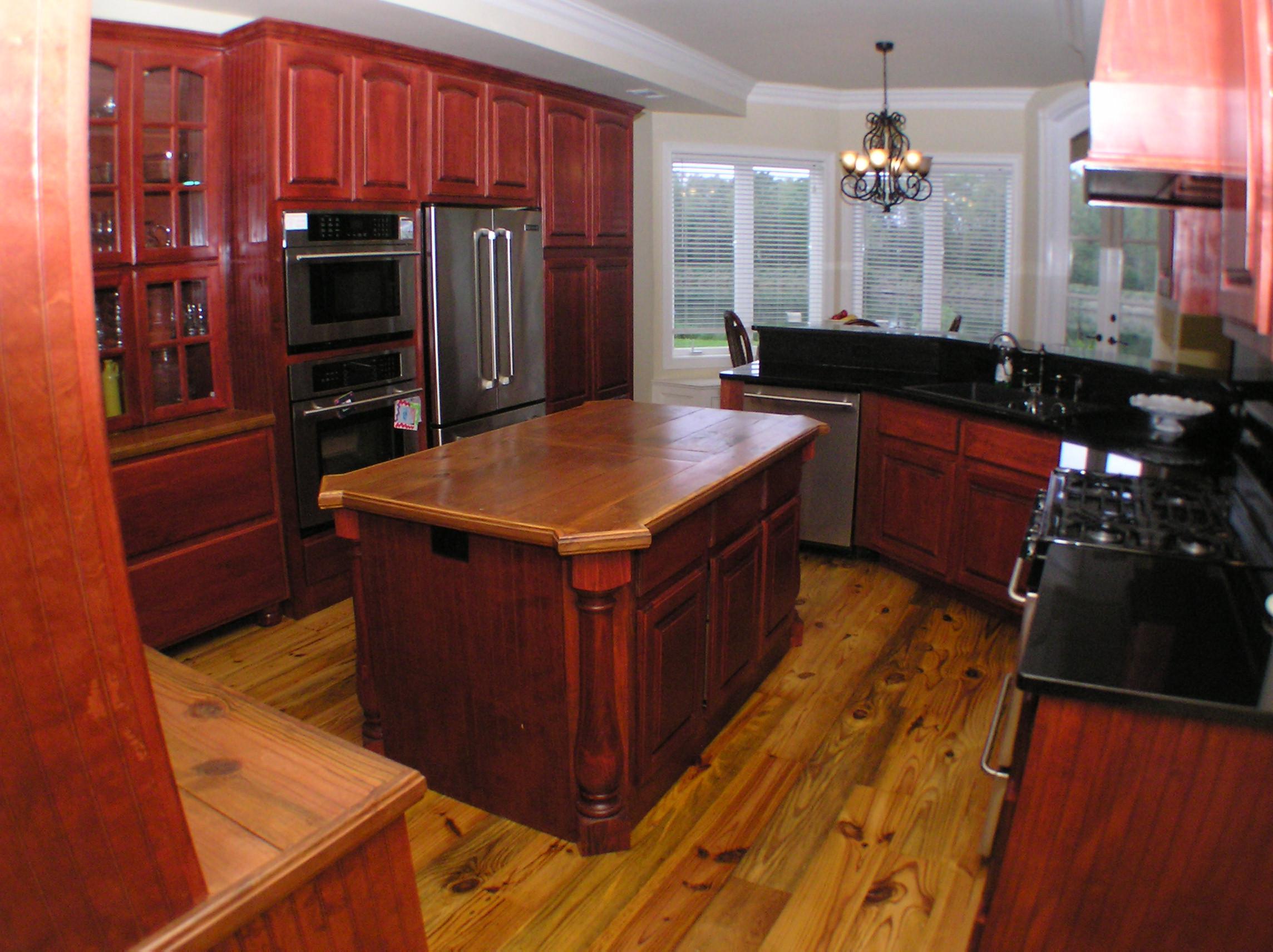 23cedar kitchen1